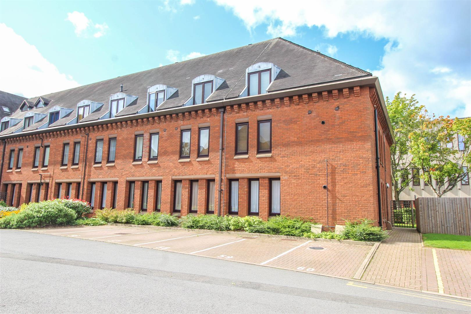 1 Bedroom Apartment Flat for sale in Berrington Close, Redditch